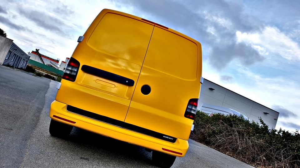 Wrapping jaune pour utilitaire de convoi exceptionnel