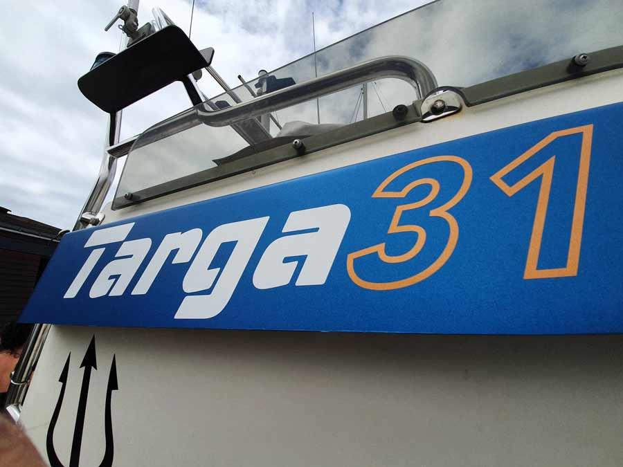 Covering wrapping 3M bateau Targa 31 aux Sables d'Olonne en Vendée
